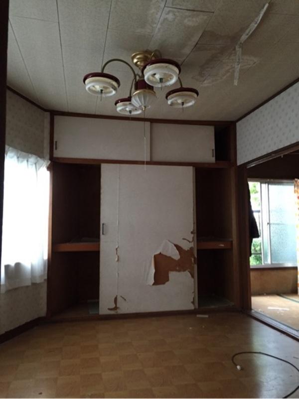 天井に雨漏り…めくってみたら>_<